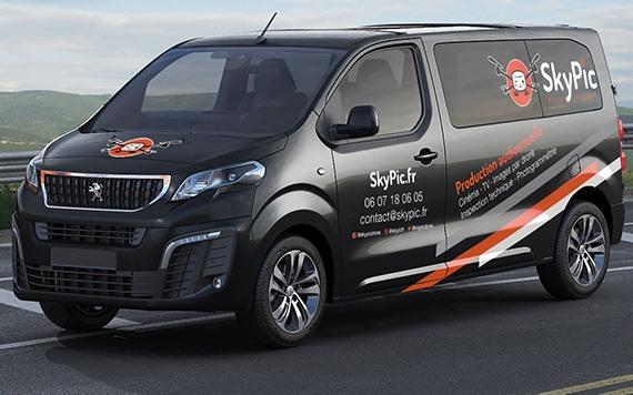 vehicule transport equipe audiovisuelle